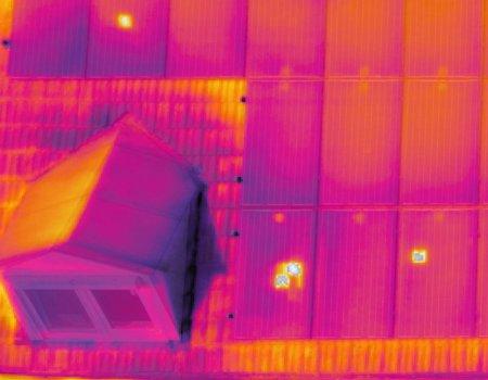 Drone thermische scan defecten zonnepanelen