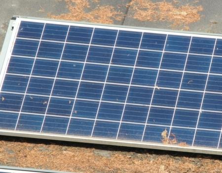 vervuiling op zonnepanneel vanuit drone