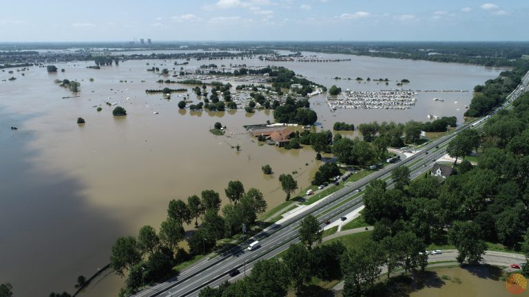 aeret photo2gis hoog water extreem waterstand drone incident